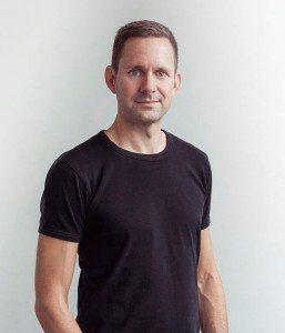 Portræt i sort t-shirt